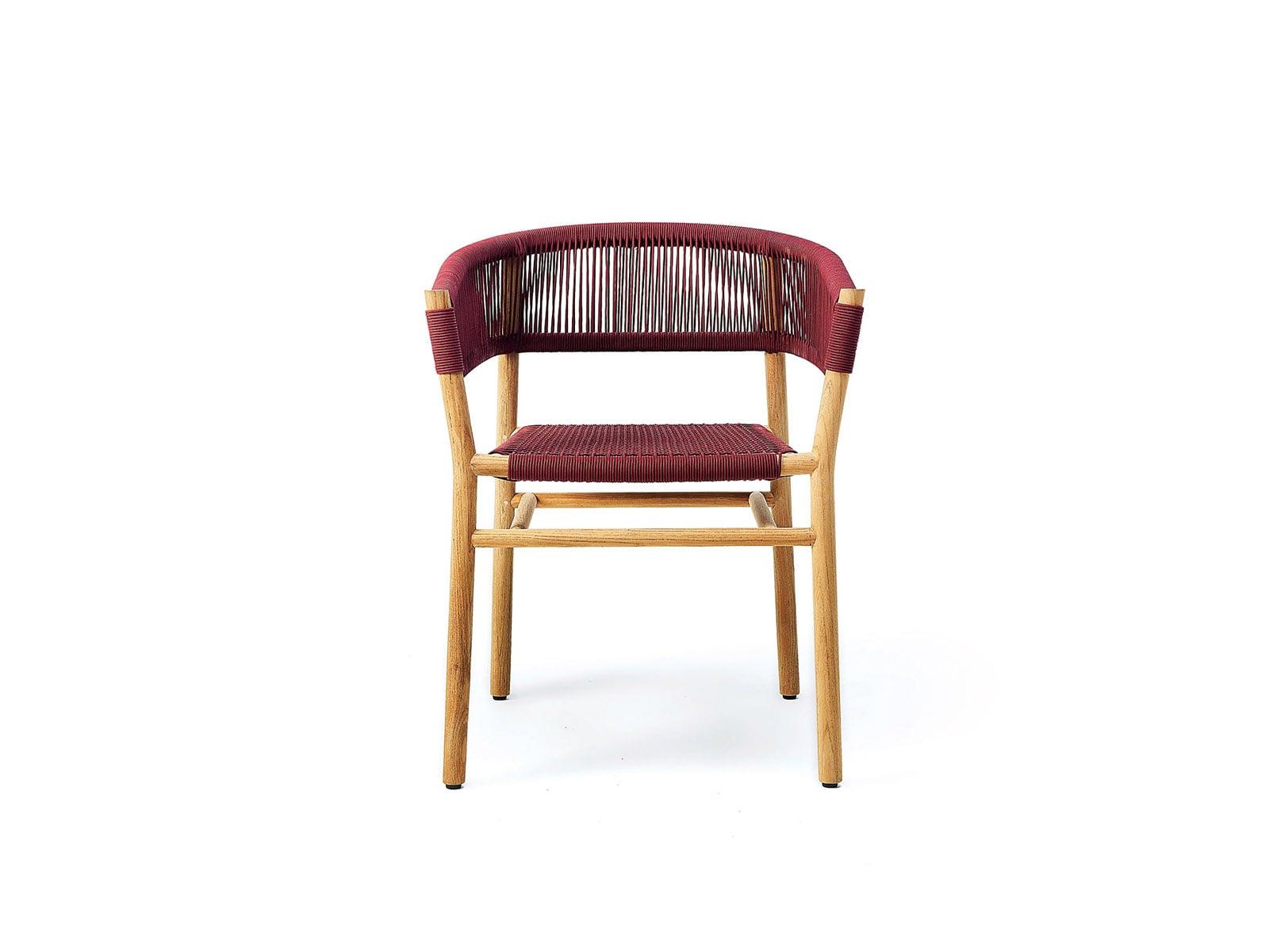 Kilt dining chair