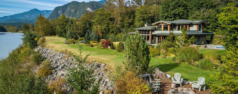 Dream Homes: Quiet Escapes in British Columbia